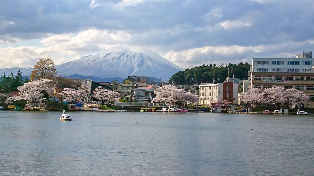 Takamatsu pond and Mt. Iwate (Morioka)